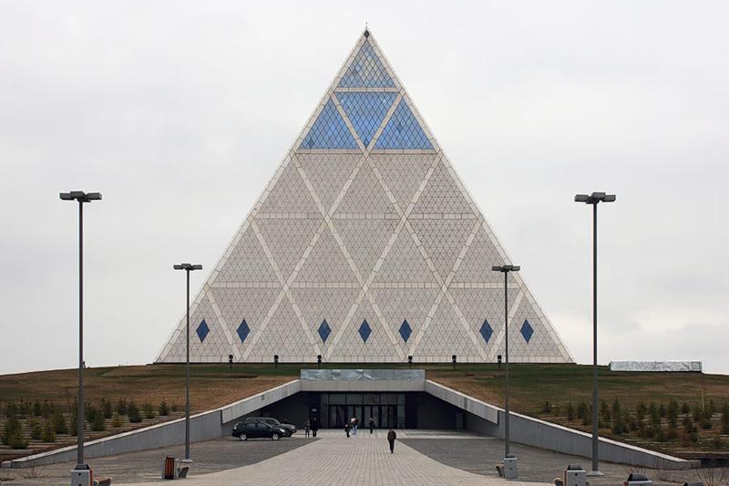 пирамида в Астане
