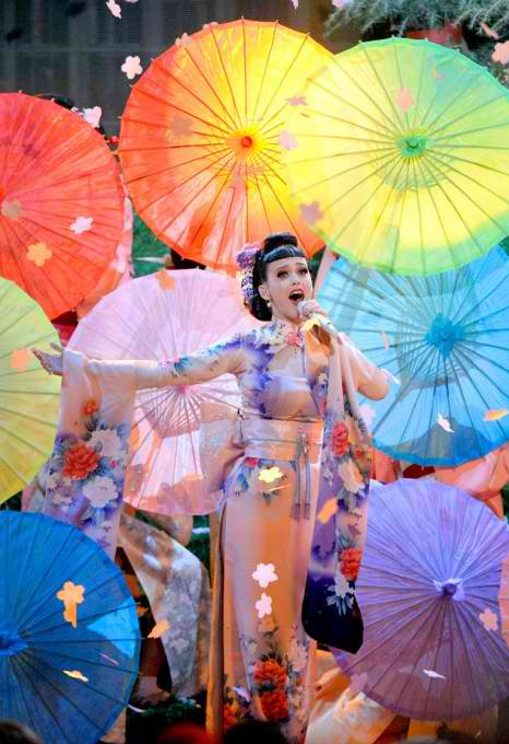 rs_634x1024-131124183852-634-katy-perry-performance-ama-112413