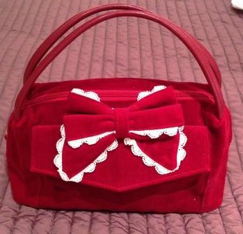 Meta red velvet bag