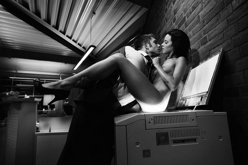 сексуальное фото черно белое