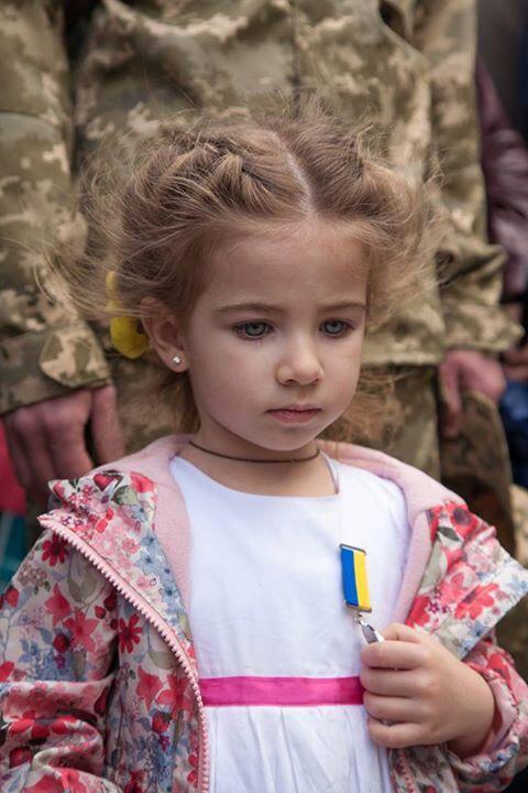 """Порошенко поздравил матерей: """"Вы воспитываете патриотов, которые творят новую историю Украины"""" - Цензор.НЕТ 2842"""