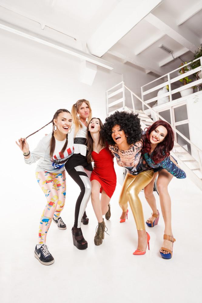 Spice Girls (Н†в†и† АђЃбЃҐ†, Н†бвп Н•™а†бЃҐ†, Т†≠п Кге†а•Ґ†, Аа®≠† Б†Ђ•а®≠† ® АЂ•™б†≠§а† Л•Ґ®ж™†п)