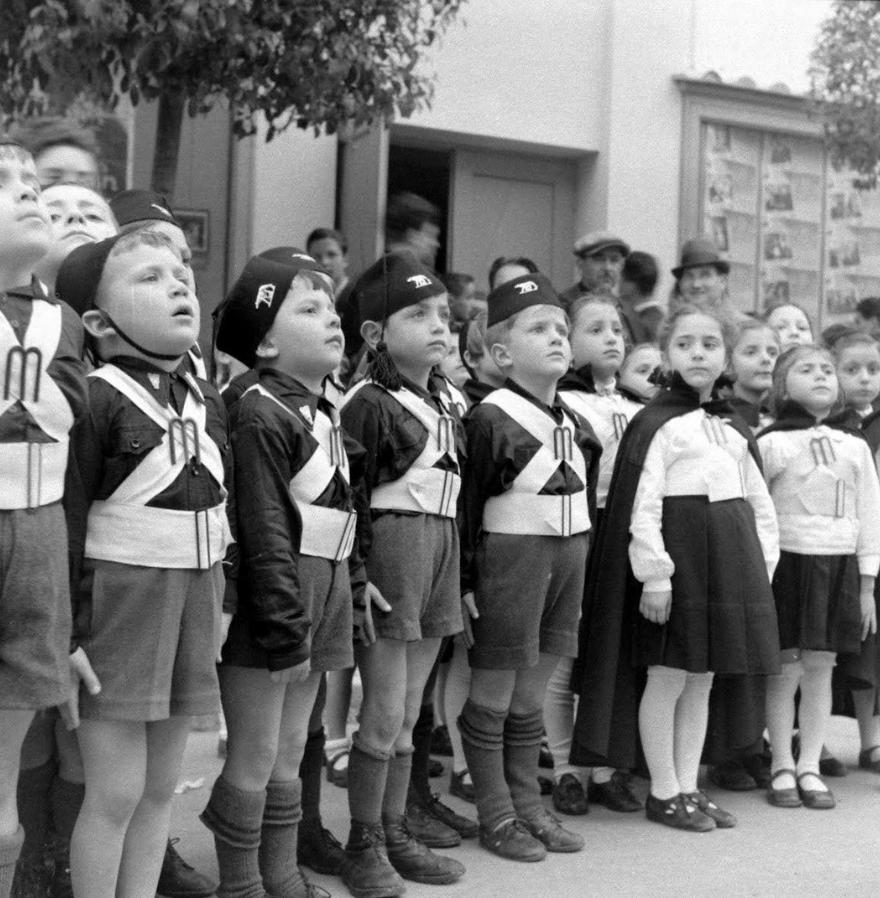 дети в военной форме
