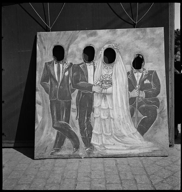 Marcel Bovis Stand de fête foraine le panneau du photographe, 1936