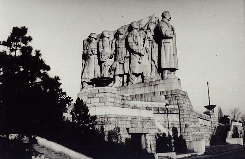 Народ Чехословакии – своему освободителю 1955