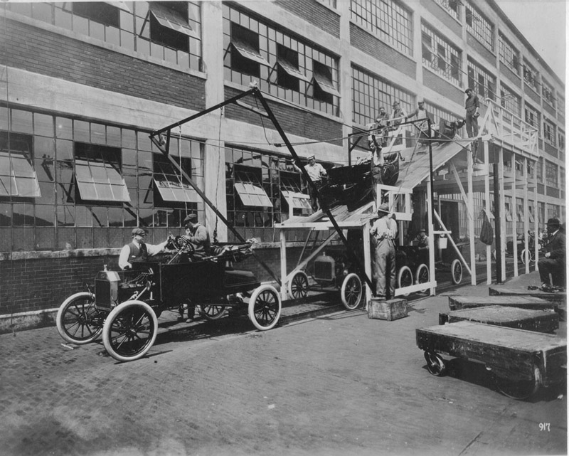 ford-model-ts-rolling-off-the-assembly-line