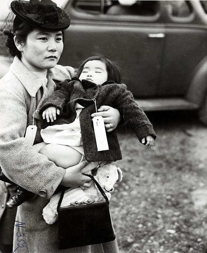 itsjohnsen-fumiko-hayashida-and-her-daughter