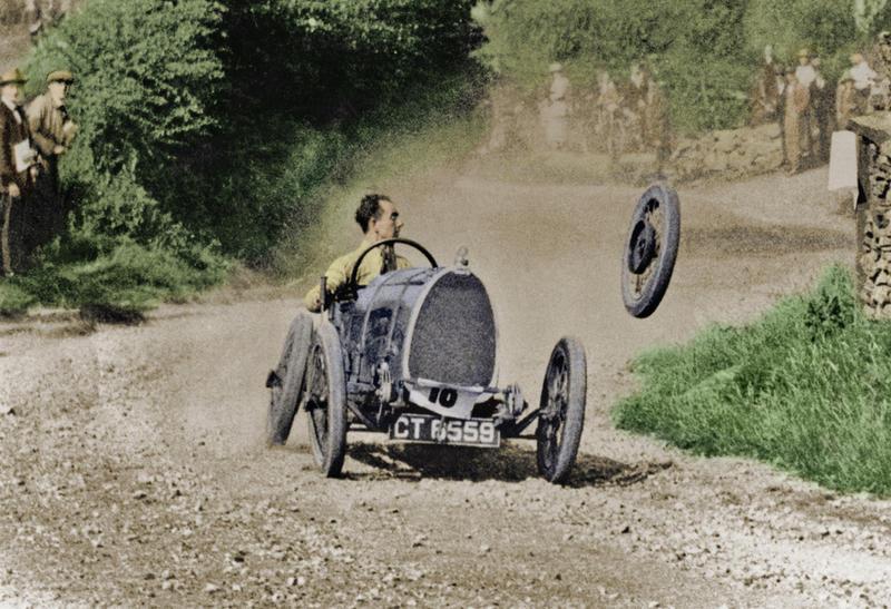 Raymond Mays' (1899-1980) Bugatti loses a wheel