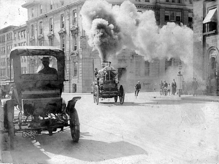 Steam propelled Amoskeag fire engine on the way to a fire, Vancouver, BC, 1908