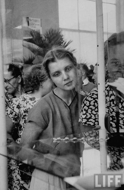 Russian Women of the 1950s (34)