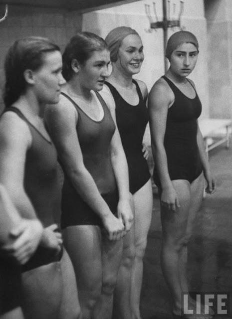 Russian Women of the 1950s (17)