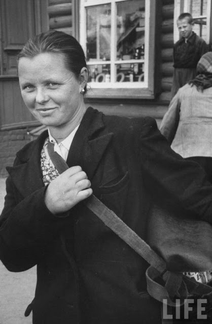 Russian Women of the 1950s (12)