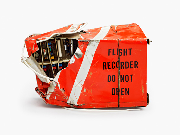 boite-noire-avion-crash-impact-detruit-02