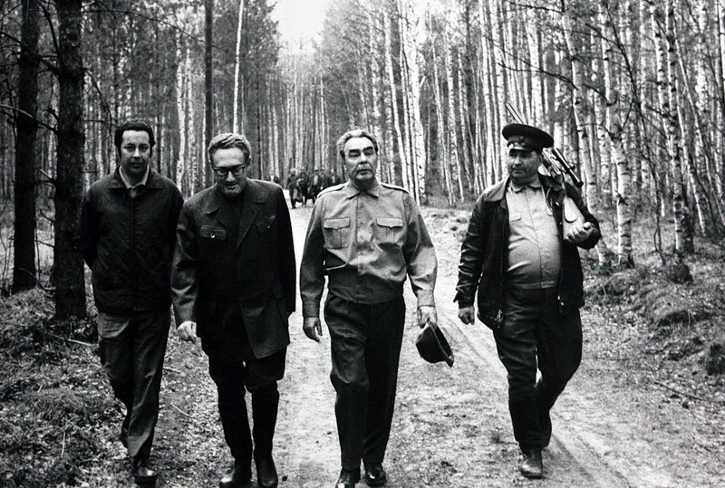 Leonid Brezhnev and Henry Kissinger on a hunting trip, 1974