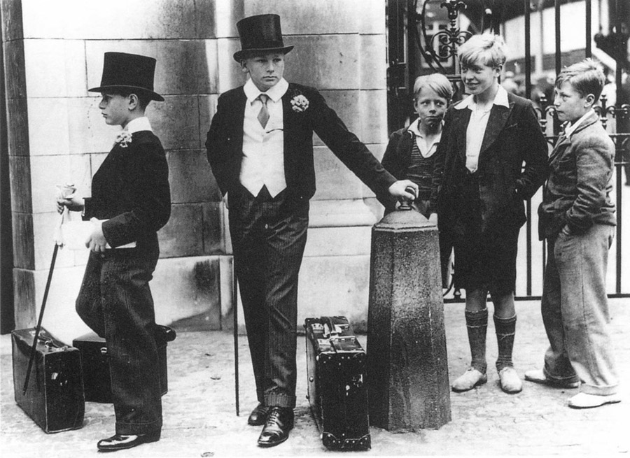 Jimmy Sime. Toffs and Toughs. Britain, 1937
