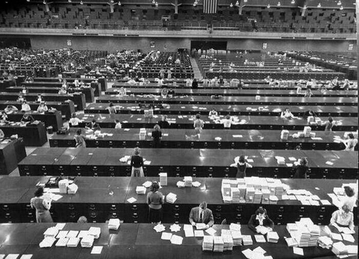 Oficinas del FBI sin computadoras durante los años 40