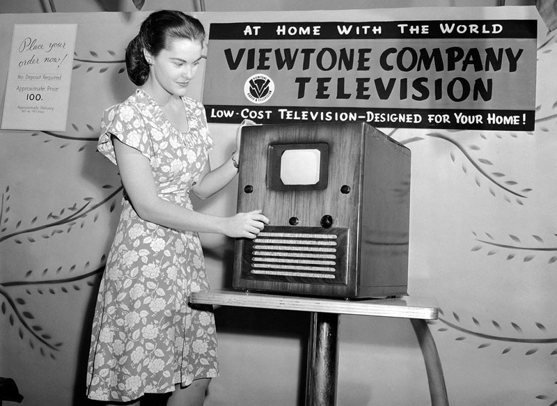 Demonstrating the first affordable television set shortly after the end of World War II. August 24, 1945