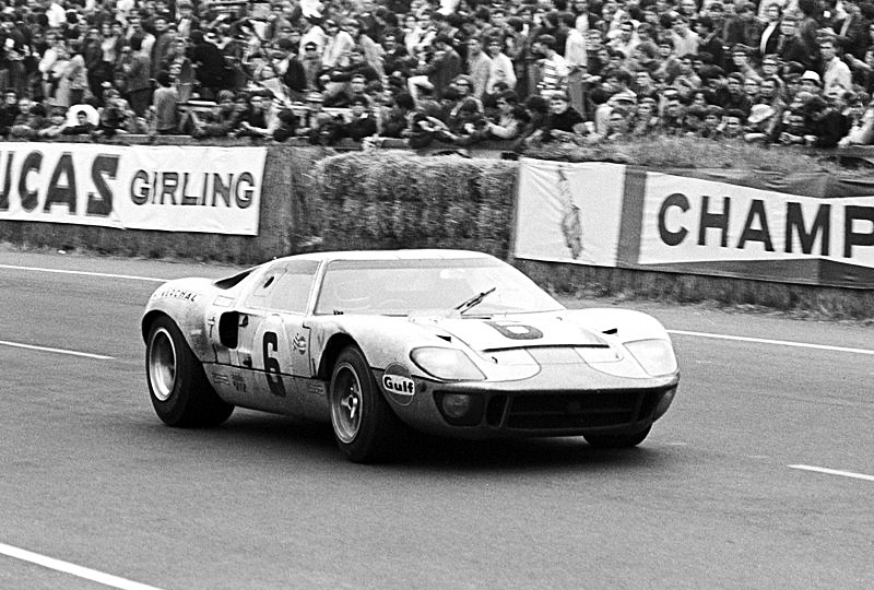 ford_gt_40_4
