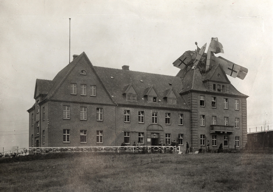 German Friedrichshafen seaplane crashed into a building in Germany 1918