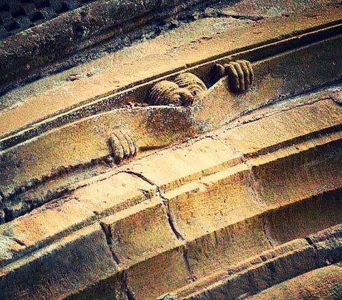 Detalle del tímpano del Juicio Final, Abadia de Sainte-Foy de Conques, Francia