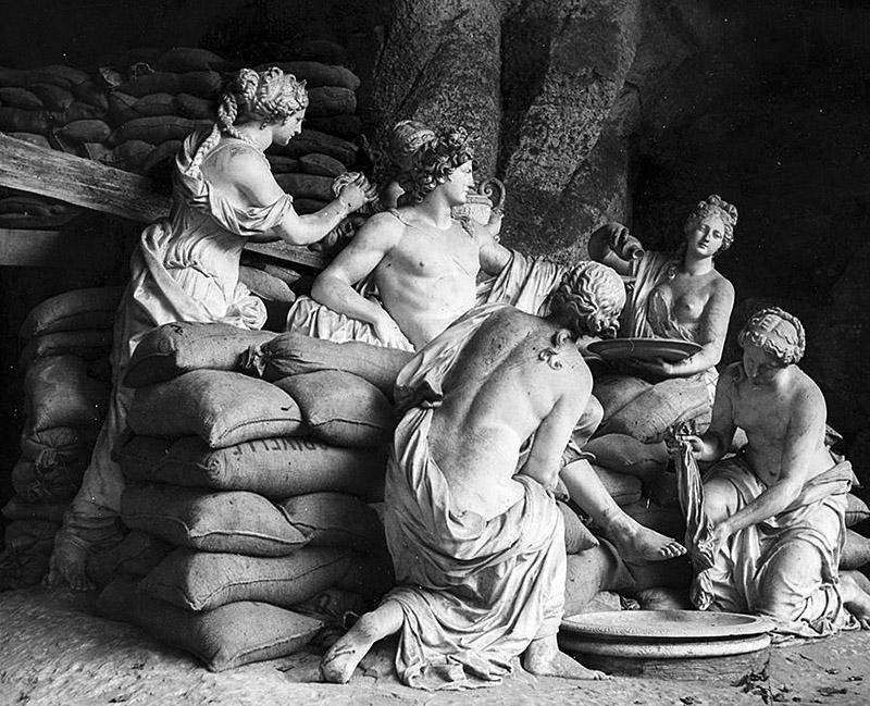 Versailles statues hidden during the Second Worldwide War.
