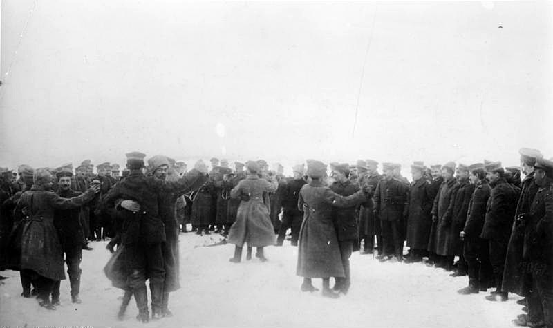 Russian and German soldiers celebrate ceasefire after the treaty of Brest-Litovsk