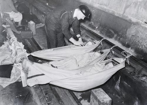 Children sleeping in the British Underground, 1939