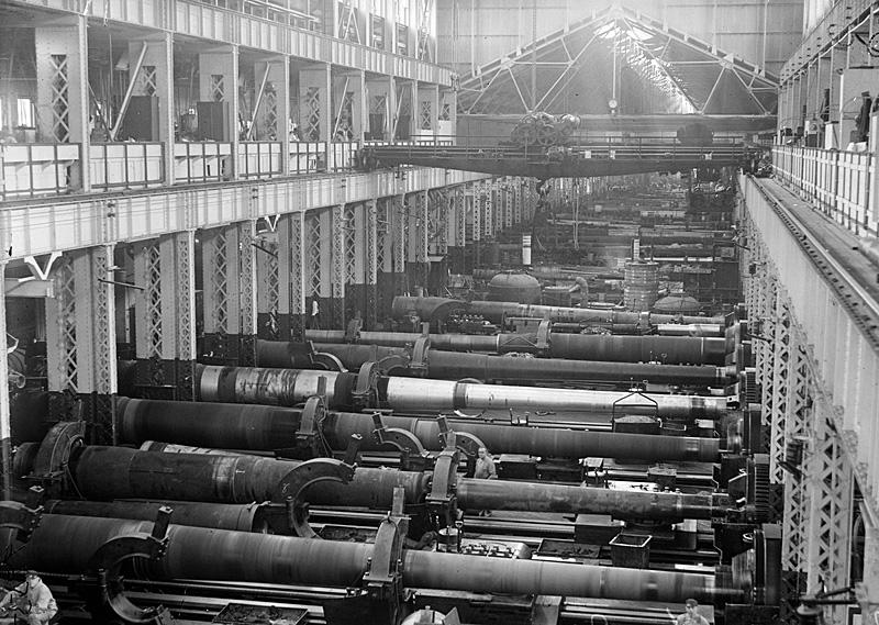 U.S. Navy Yard, Washington, D.C., the Big Gun section of the shops, in 1917