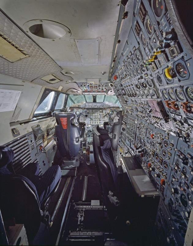 16-cockpit-avion-Concorde-630x800