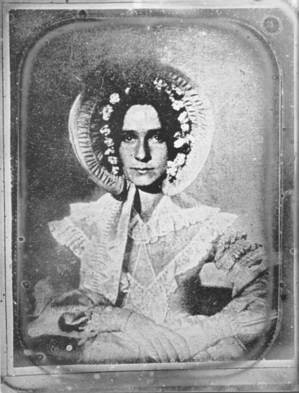 Dorothy-Draper-premiere-photographie-femme-609x800