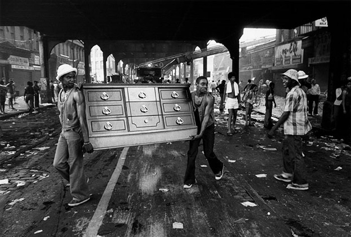 Looting in Bushwick, Brooklyn during the 1977 NYC blackout