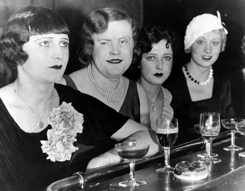 Transvestites at the nightclub El Dorado in Berlin, 1929