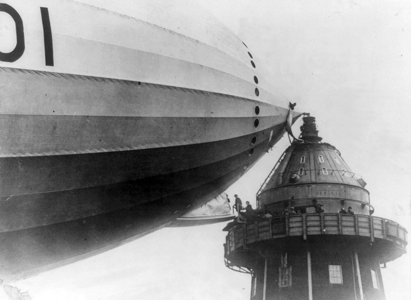 Passengers boarding British airship R101 (1929:1930)