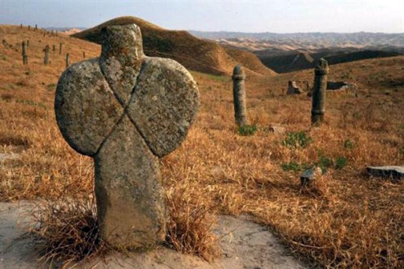 древнее кладбище в иране