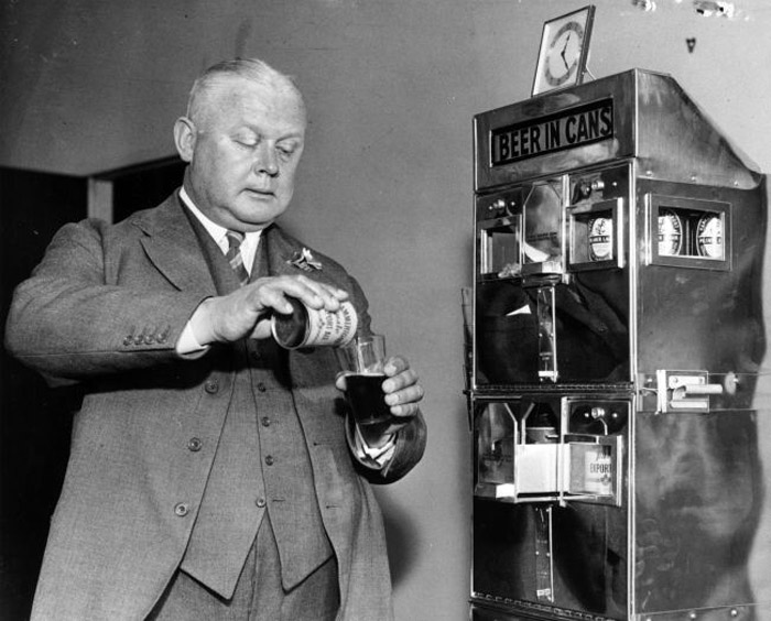 One of the first canned beer machines being tested out in London, June 1937