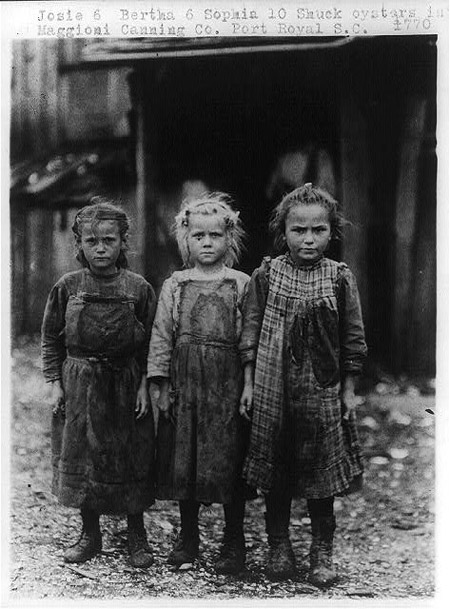 Young oyster shuckers, Port Royal, S.C. circa 1909