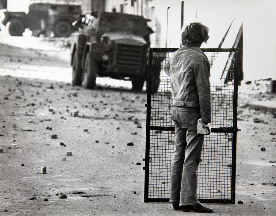 ulster_rioter_awaits_saracen_attack_uk_august_1969