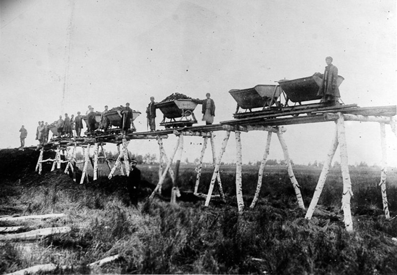 Building Transsiberian railroad. 1891