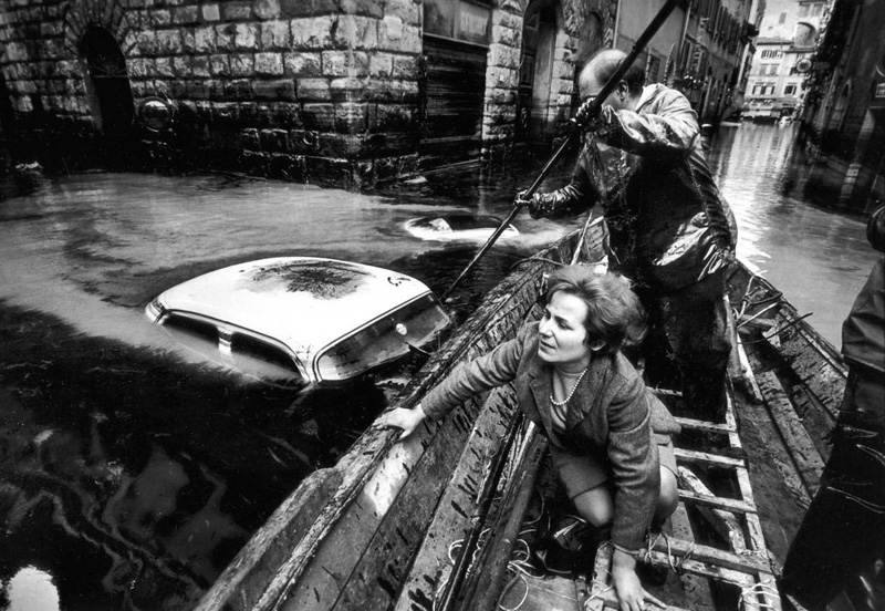 The great flood in Florence, Italy, 1966