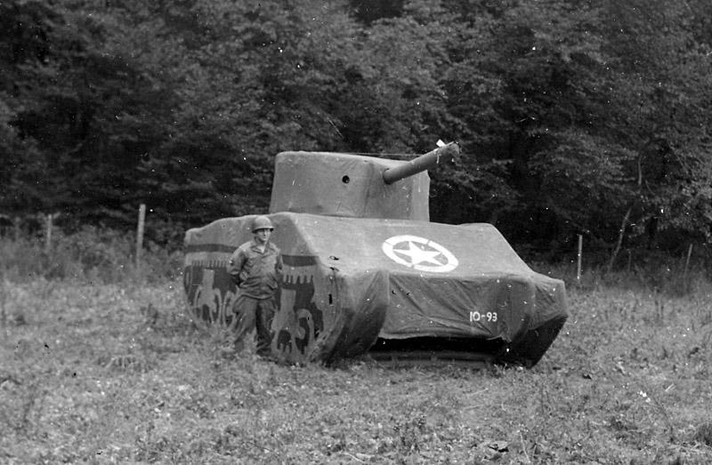 leurre-tank-guerre-mondiale-03-1024x819