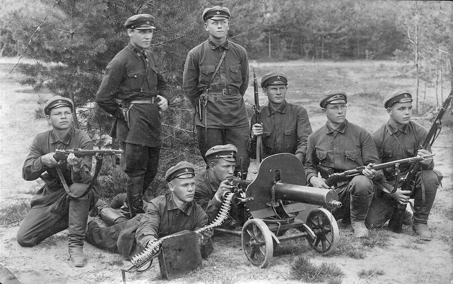 Red Army soldiers with new equipment (late 1920s)