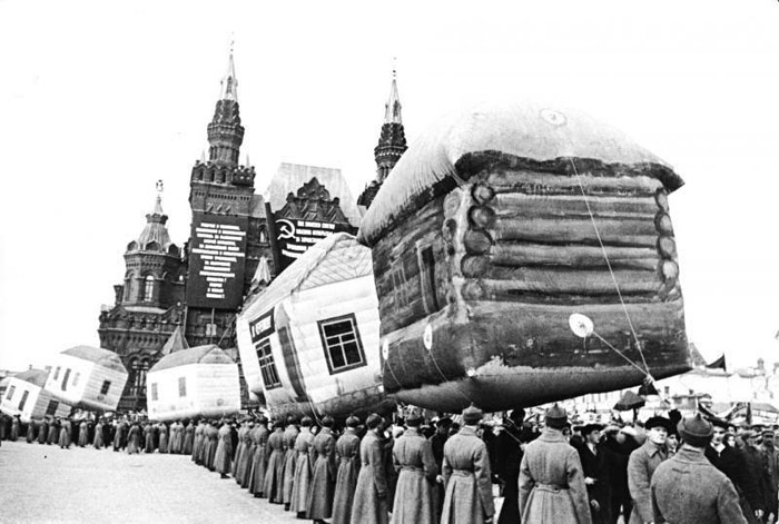 Inflatable huts on parade in Red Square, 1924.