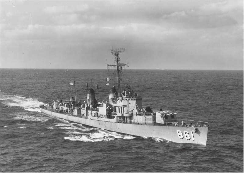 Harwood_(DDE-861)_underway