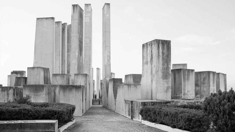Заброшенные военные памятники бывшей Югославии