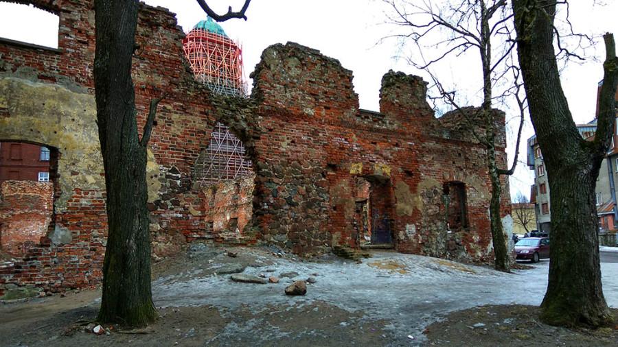7. Руины собора.jpg