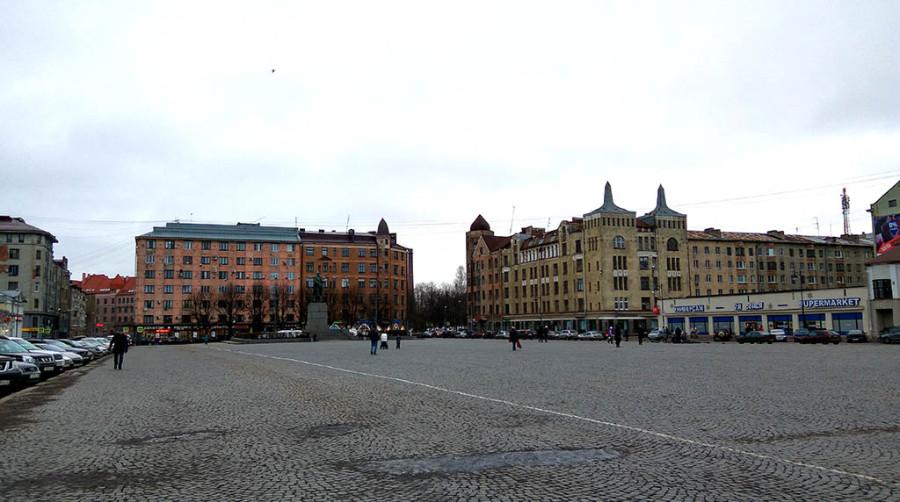 Красная площадь в Выборге.jpg