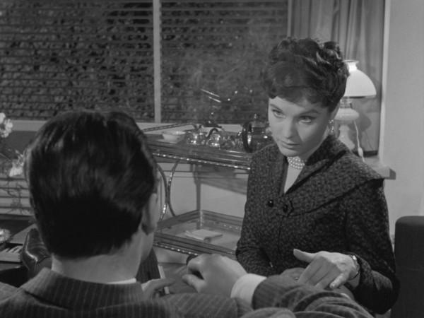 Le amiche (1955).mkv_snapshot_01.01.54_[2018.08.25_10.56.45]_1