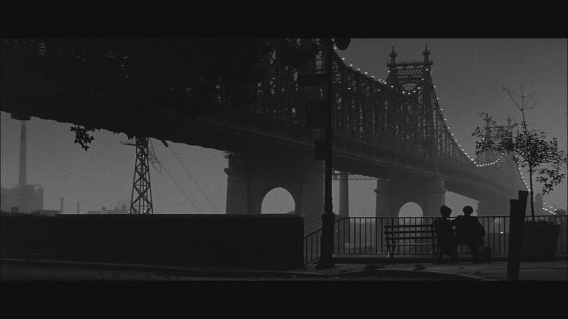 Manhattan (1979).mkv_snapshot_00.28.38_[2020.04.19_10.15.19].jpg