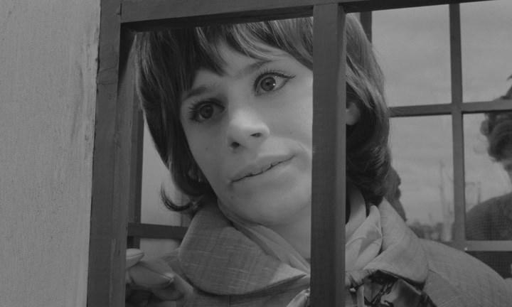 Girl with Green Eyes (1964) BDRip.avi_snapshot_01.28.40_[2020.05.25_20.23.52].jpg