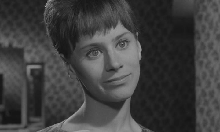 Girl with Green Eyes (1964) BDRip.avi_snapshot_01.07.15_[2020.05.25_20.21.32].jpg